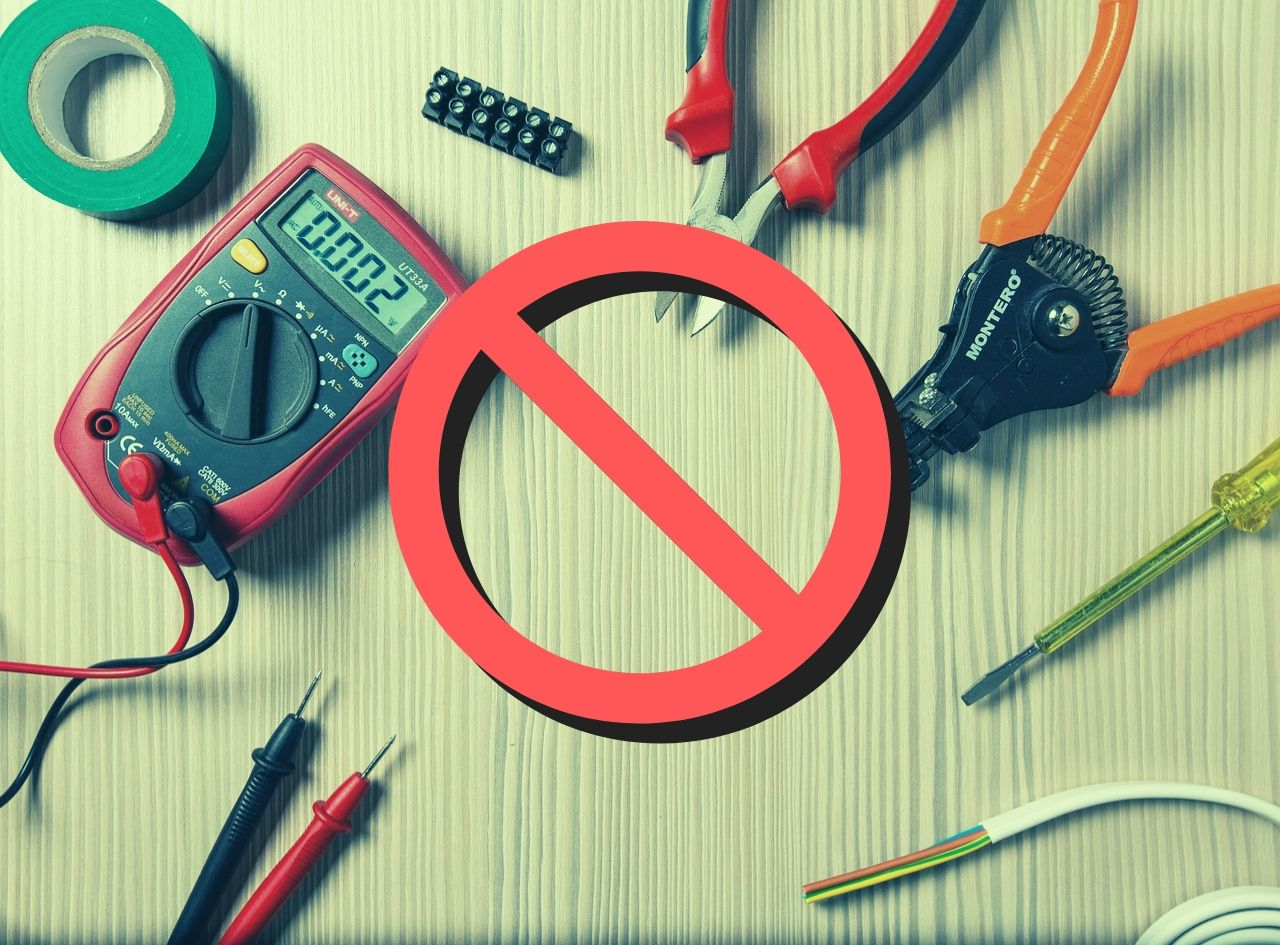 Monitorowanie maszyn CNC bez ingerencji elektrycznej? Teraz jest to możliwe.